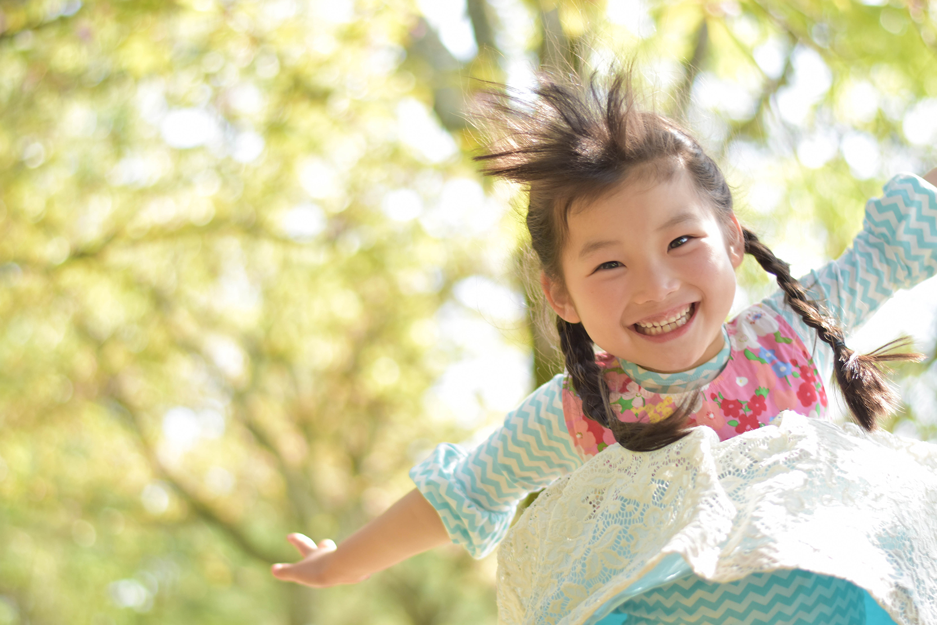 子供の笑顔が主役画像